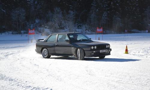 Snowdriving experience